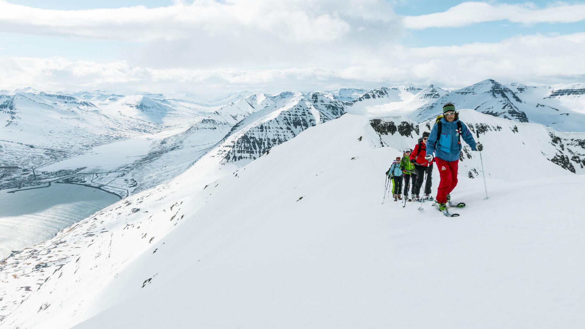 Gefuehrte Skitourenreise Nach Island Inklusive Flug